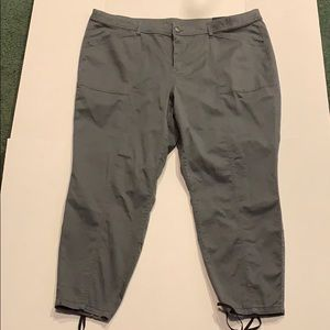 Plus Size 26 Lane Bryant Skinny Cargo Pants NWT